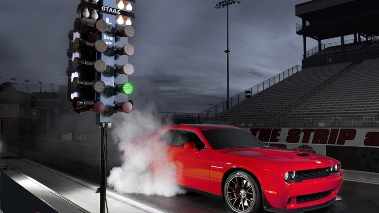 10-Second Hellcat: 2015 Dodge Challenger Hellcat Runs 10.8 Seconds in 1/4 Mile