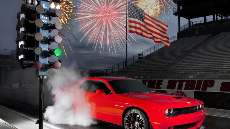 American Revolution: Dodge Challenger SRT Hellcats Declare Independence from Traction – Video