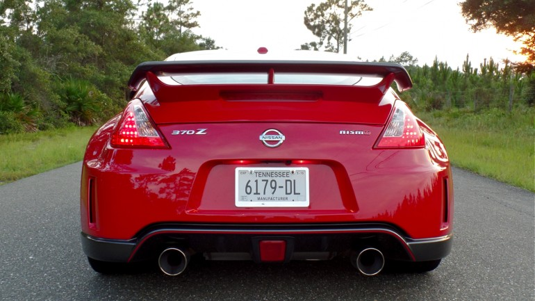 Nissan's Snazzy Backup Camera in the 2014 370z NISMO