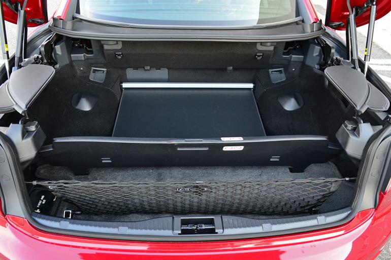 2014-lexus-is350c-f-sport-trunk-top-up