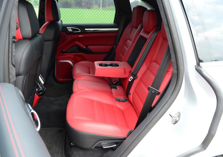 2014-porsche-cayenne-turbo-s-rear-seats