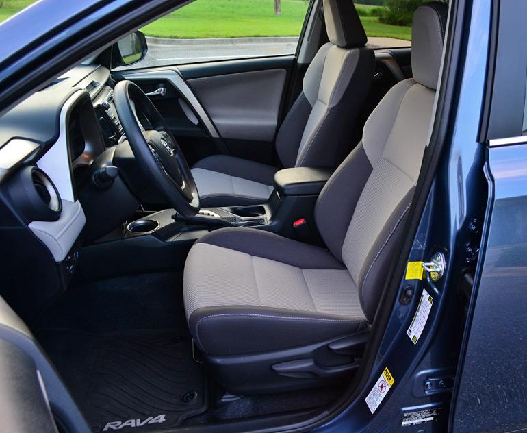 2014-toyota-rav4-xle-front-seats