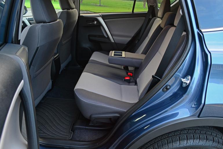 2014-toyota-rav4-xle-rear-seats