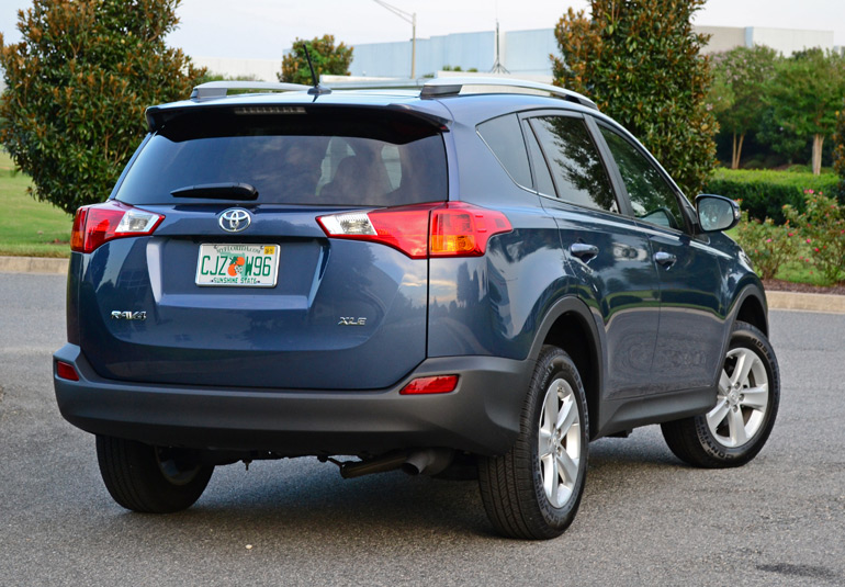 2014 toyota rav4 xle fwd review test drive. Black Bedroom Furniture Sets. Home Design Ideas