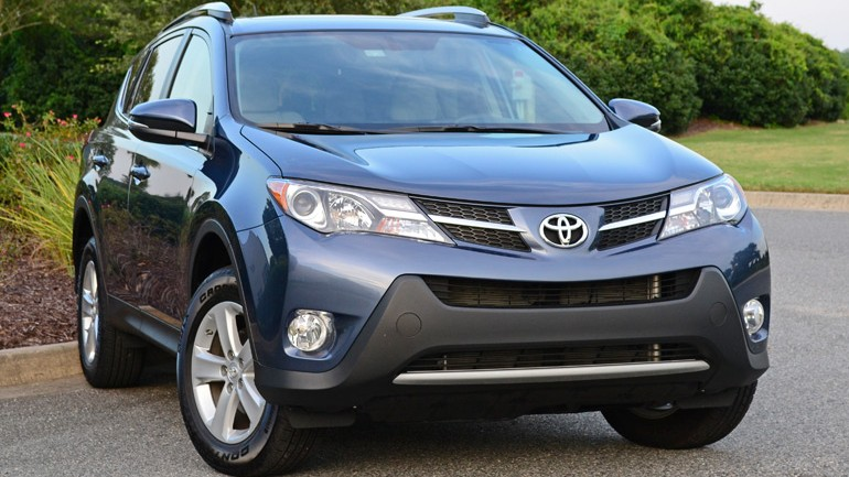 2014 Toyota RAV4 XLE FWD Review & Test Drive