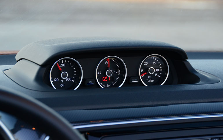 2014-volkswagen-beetle-convertible-r-line-dash-gauges