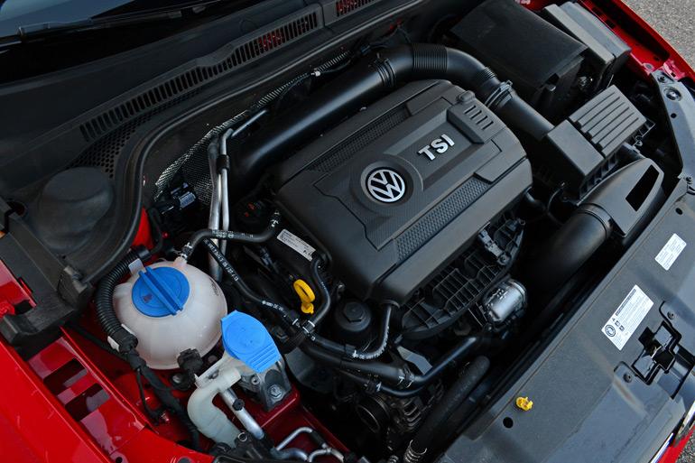 2014-volkswagen-jetta-se-engine