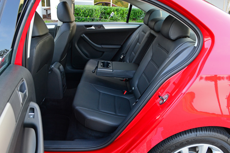 2014 volkswagen jetta se review test drive. Black Bedroom Furniture Sets. Home Design Ideas