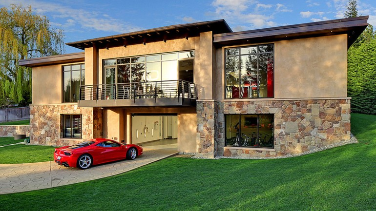 $4 Million 2 Bedroom, 2.5 Bathroom House w/ 16-Car Garage Is Ideal Automotive Enthusiast Haven