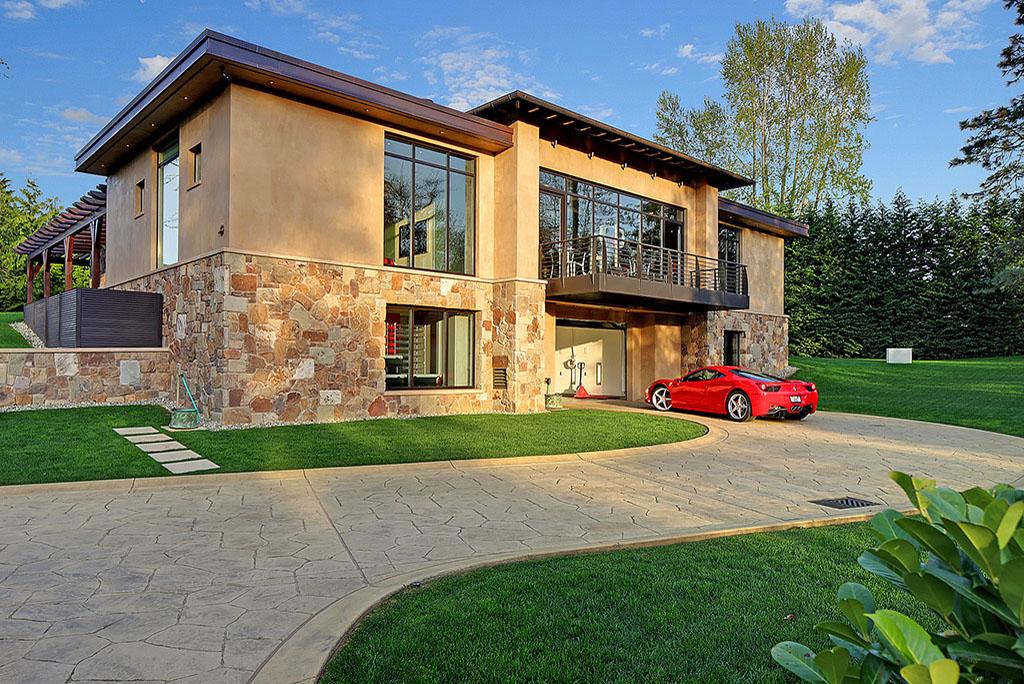 4 Million 2 Bedroom 2 5 Bathroom House W 16 Car Garage