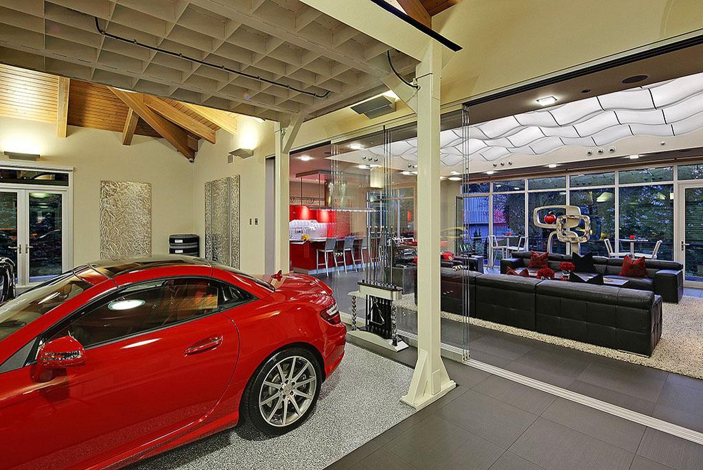 4 million 2 bedroom 2 5 bathroom house w 16 car garage for Garage auto 7