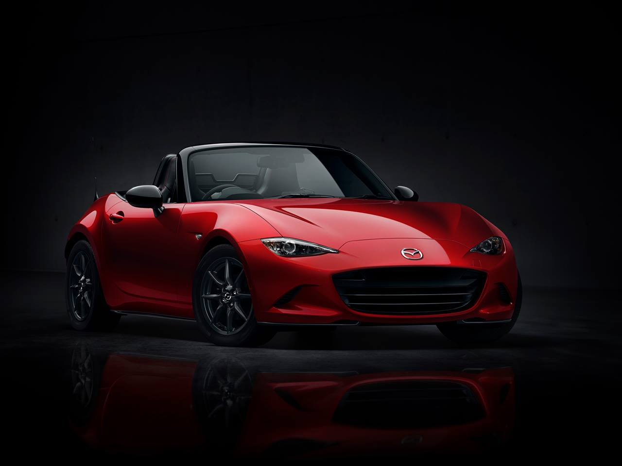 http://www.automotiveaddicts.com/wp-content/uploads/2014/09/2016-mazda-mx5-reveal-2.jpg