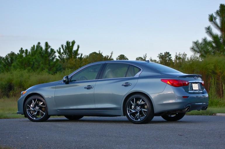 2014-Infinit-Q50S-Side-rear