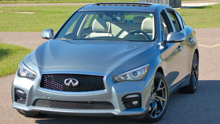 Checking the Tech: 2014 Infiniti Q50S