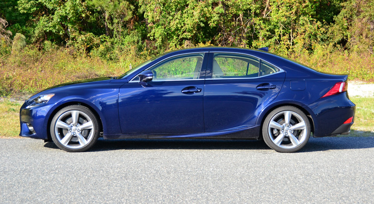 2015-lexus-is350awd-side