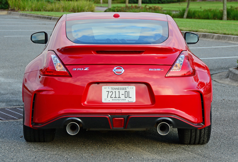 2015 nissan 370z nismo review test drive. Black Bedroom Furniture Sets. Home Design Ideas