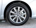2015-toyota-camry-wheel-tire