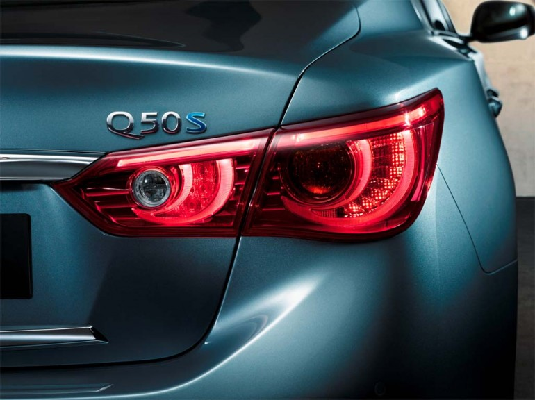 2014-Infiniti-Q50-badge-from-infiniti