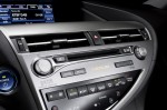 2014-lexus-rx450h-center-dash-2