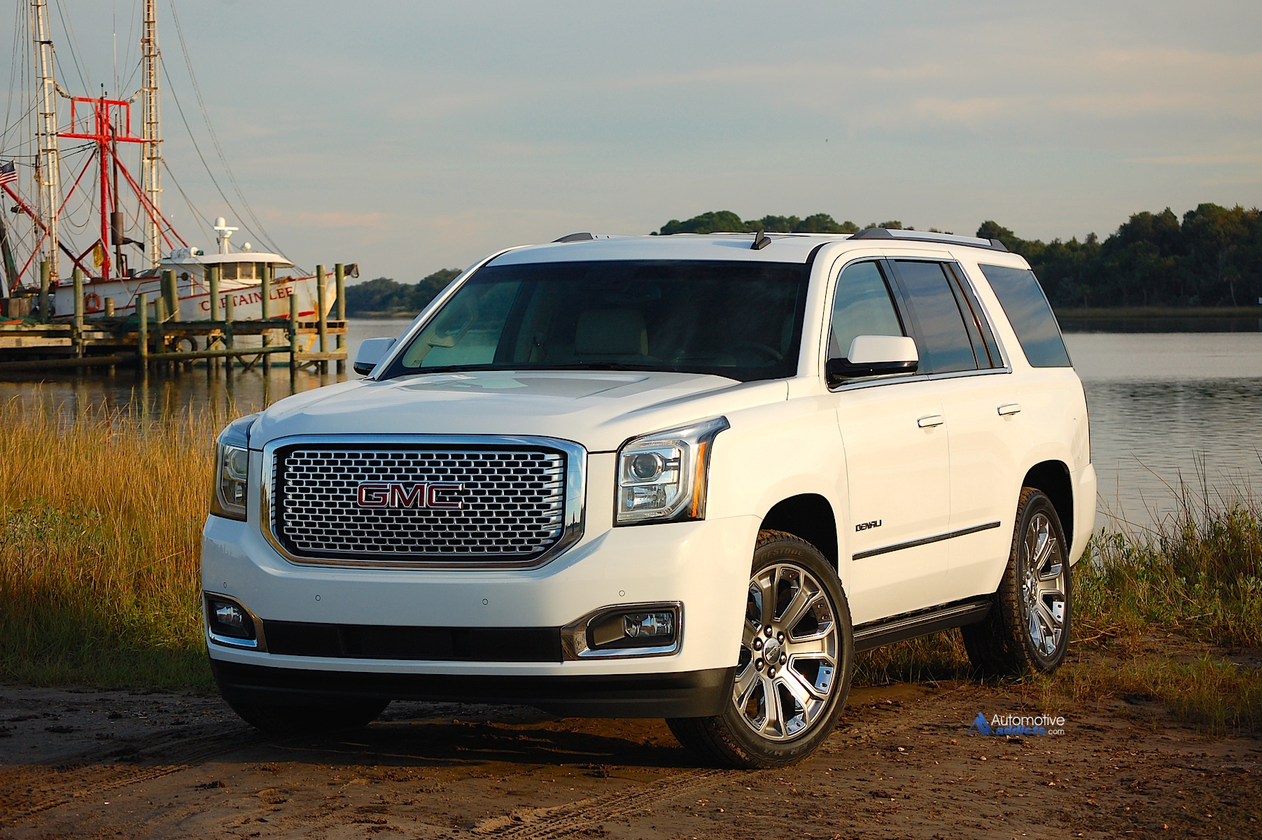 2015 gmc yukon denali 1. Black Bedroom Furniture Sets. Home Design Ideas