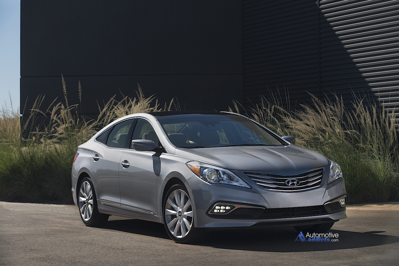 2015 hyundai azera launches at miami international auto show. Black Bedroom Furniture Sets. Home Design Ideas
