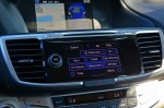 2015-honda-accord-hybrid-touring-center-dash