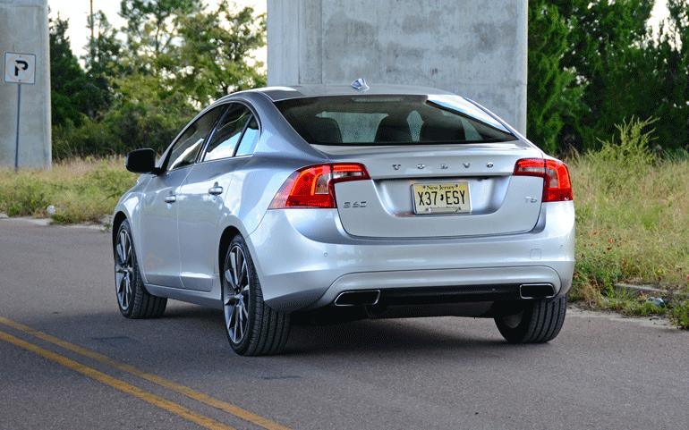 2015-volvo-s60-t6-drive-e-rear-side