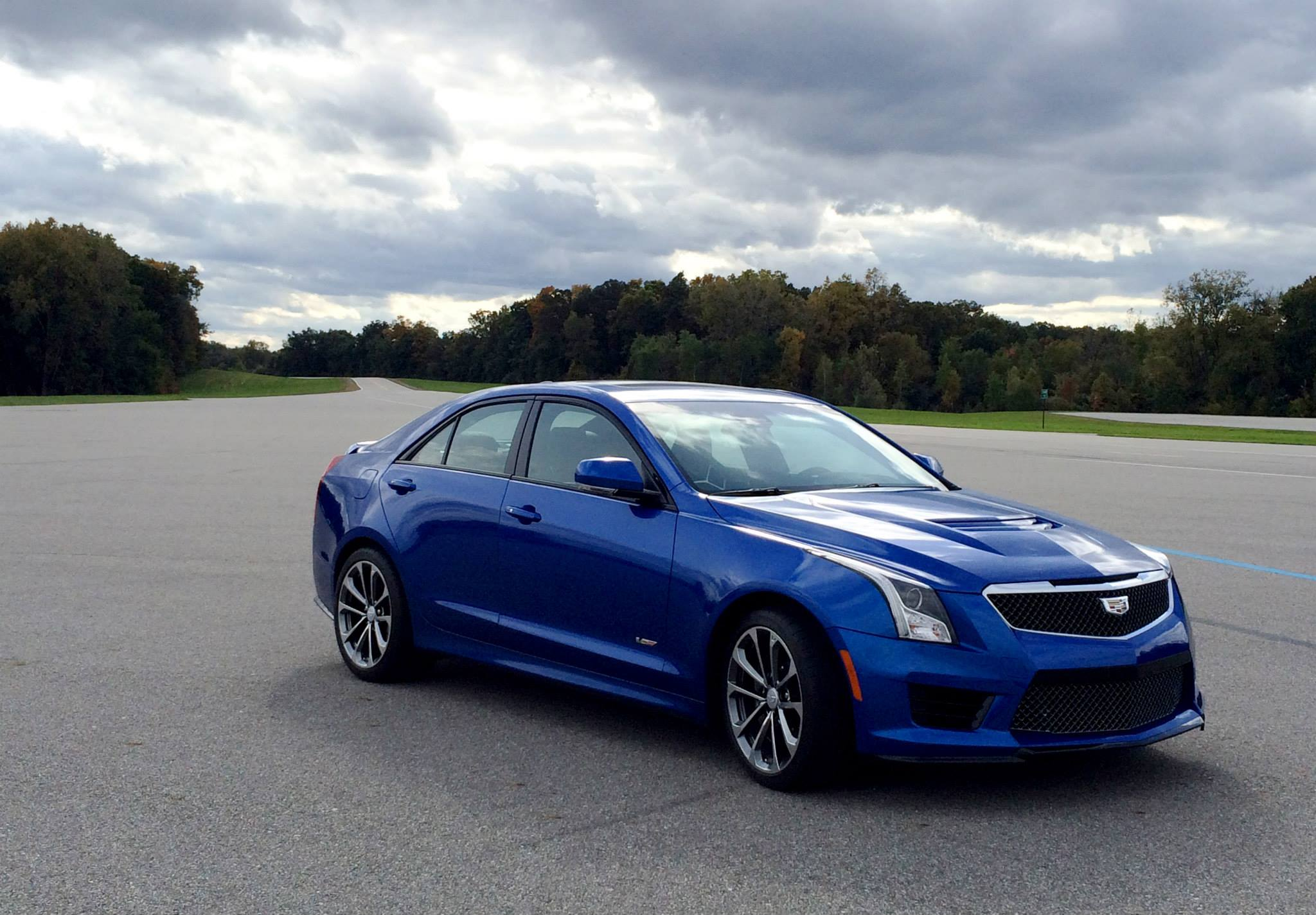 2016 cadillac ats v coupe and sedan officially revealed w 455hp and 6 sp manual. Black Bedroom Furniture Sets. Home Design Ideas