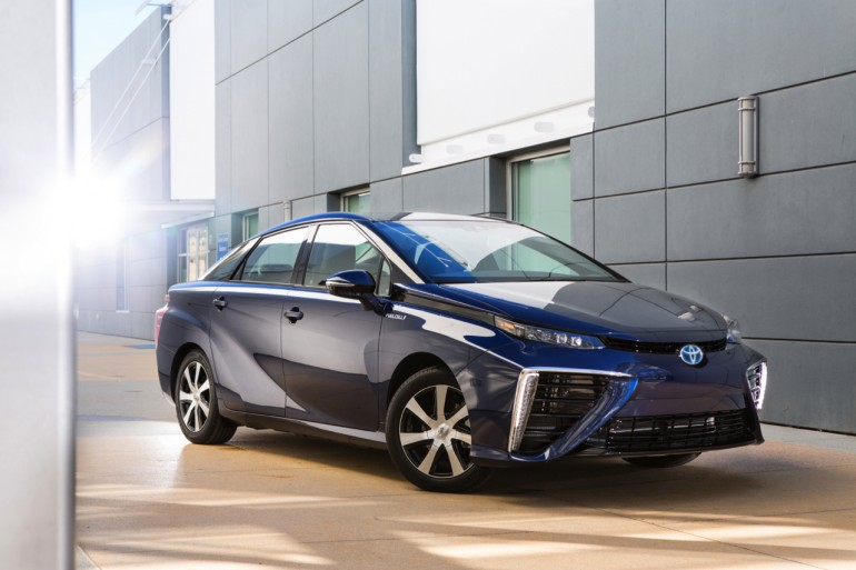 2016-toyota-fuel-cell-vehicle-001-1