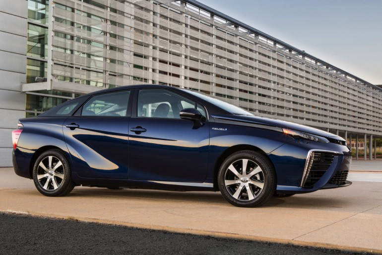 2016-toyota-fuel-cell-vehicle-004-1