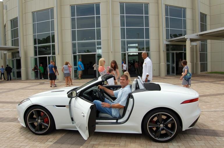 2014-Jaguar-F-Type-Chris-Luzar-open