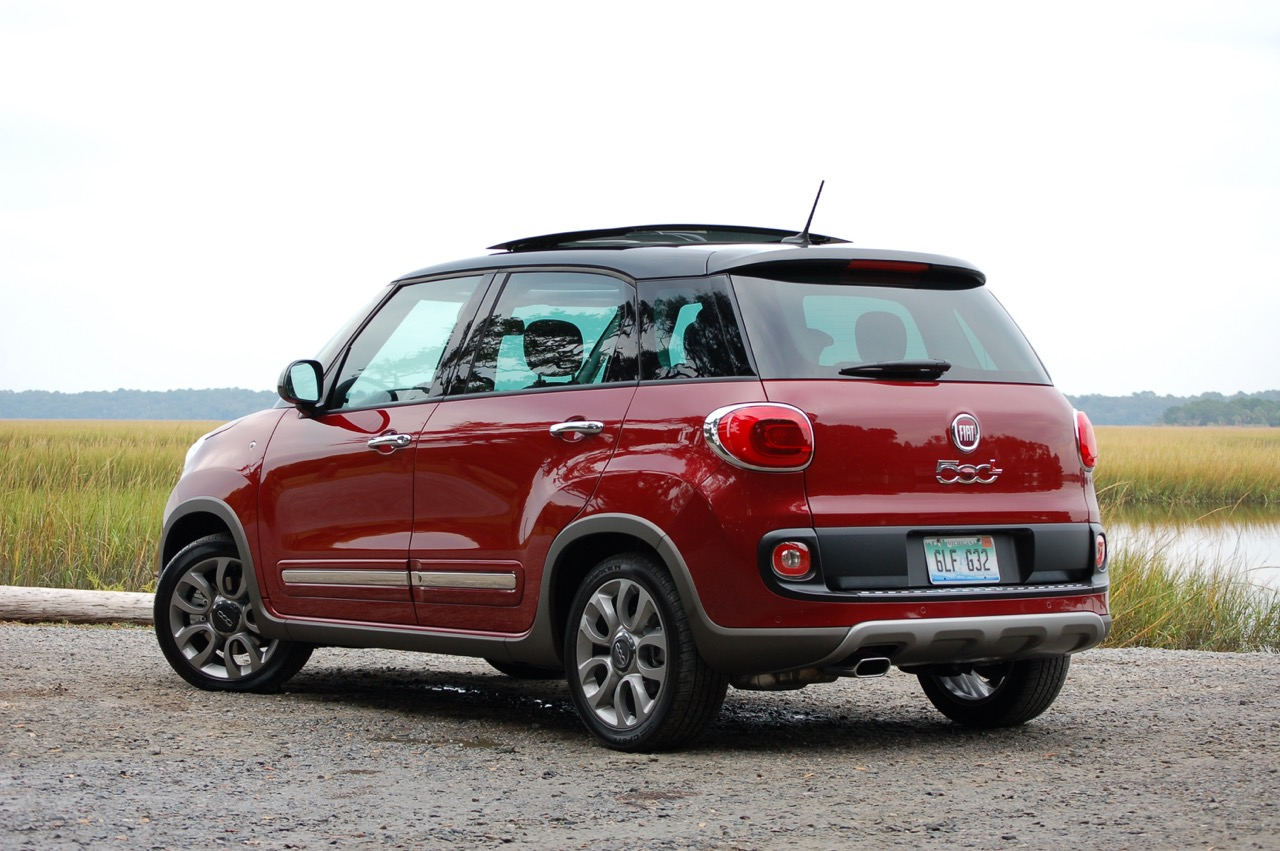 2015 fiat 500l trekking review test drive. Black Bedroom Furniture Sets. Home Design Ideas
