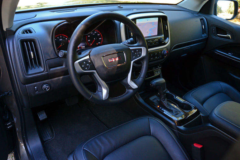 2015-gmc-canyon-dashboard
