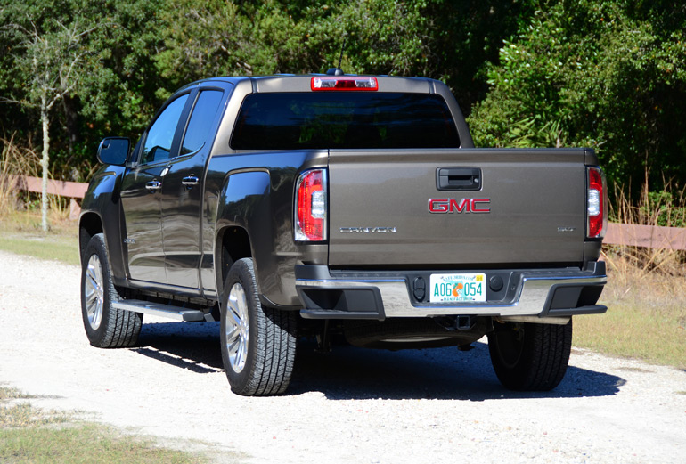 2015-gmc-canyon-rear