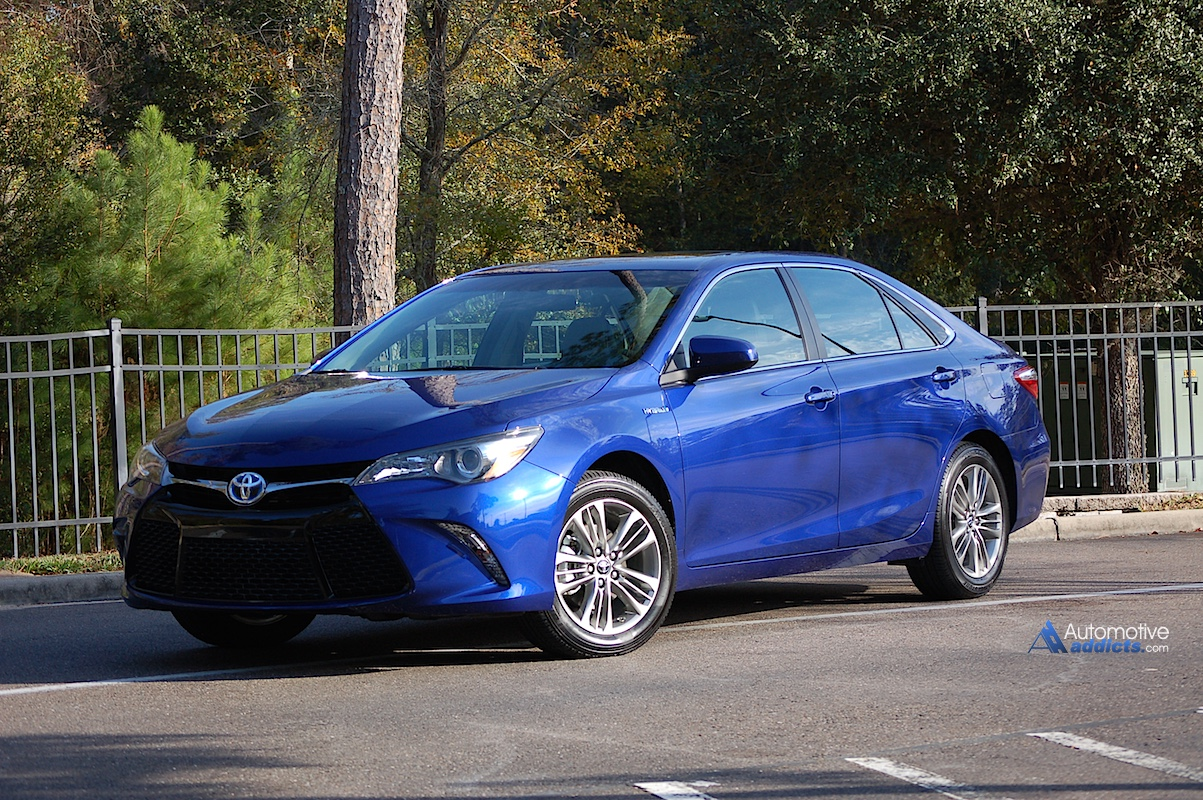 day four with the 2015 toyota camry hybrid se. Black Bedroom Furniture Sets. Home Design Ideas