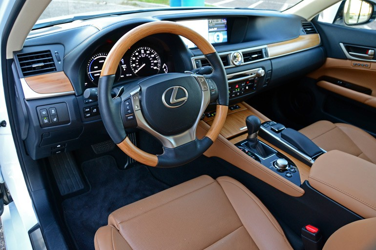 2014-lexus-gs-450h-dashboard