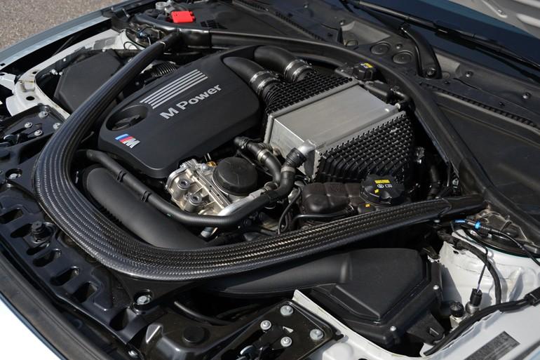 2015-bmw-m4-convertible-engine