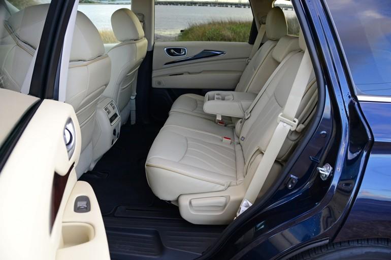 2015-infiniti-qx60-second-row-seats