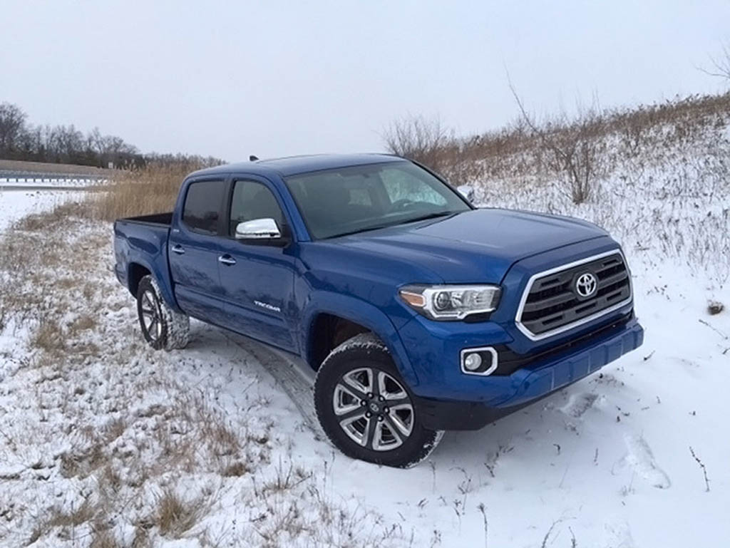 2016 toyota tacoma uncovered before detroit debut. Black Bedroom Furniture Sets. Home Design Ideas
