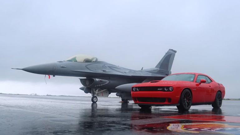 Dodge Challenger SRT Hellcat vs F16 Fighter Jet: Video
