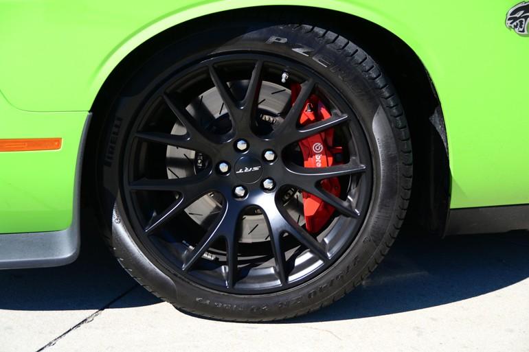 2015-dodge-challenger-srt-hellcat-wheel-tire