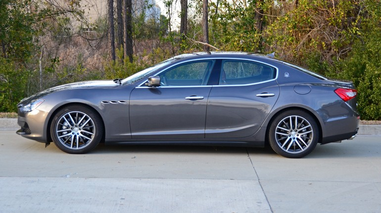 2015-maserati-ghibli-sq4-side
