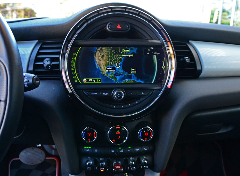 2017 Mini Cooper S Center Dashboard Posted By Malcolm Hogan Filed Under