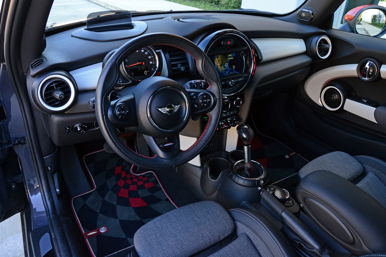 2017 Mini Cooper S Dashboard Posted By Malcolm Hogan Filed Under