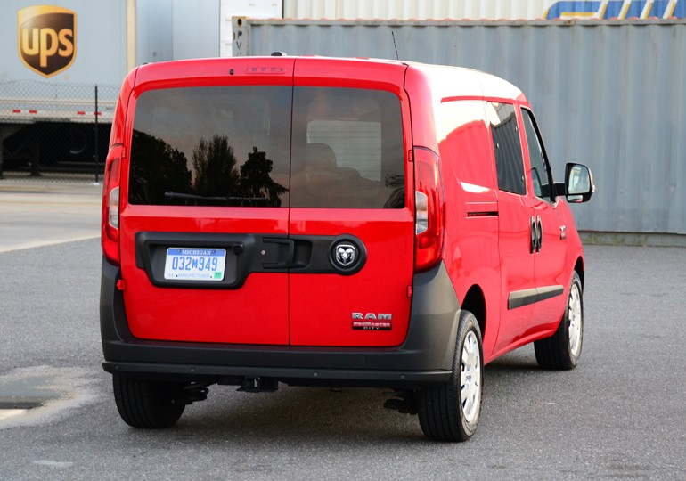 2015-ram-promaster-city-rear