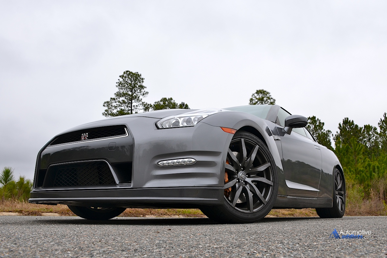 Pay Roadandtrack Com >> 2015 Nissan Gt R Living With A Supercar