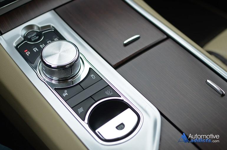 2015-jaguar-xf-gear-shifter