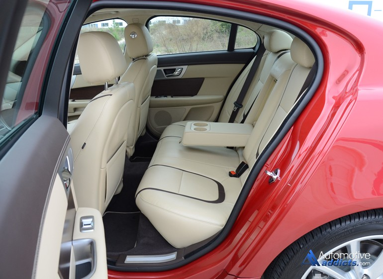 2015-jaguar-xf-rear-seats