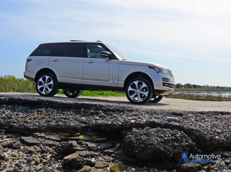http://www.automotiveaddicts.com/wp-content/uploads/2015/03/2015-land-rover-range-rover-autobiography-lwb-rocks-low.jpg
