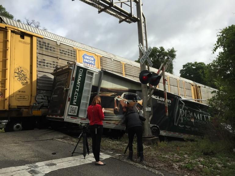mclaren-12-trailer-train-wreck-2